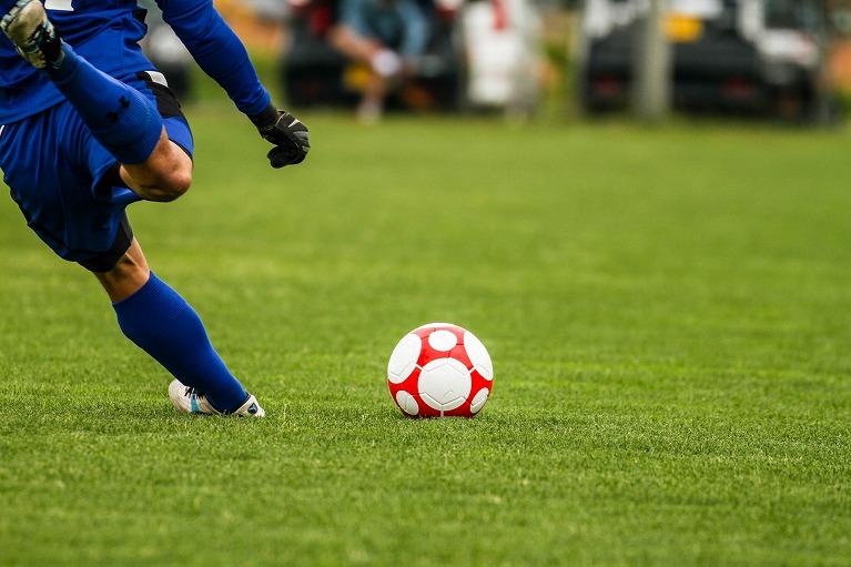「スポーツ障害」は運動時の負荷が繰り返し加わることで起こります